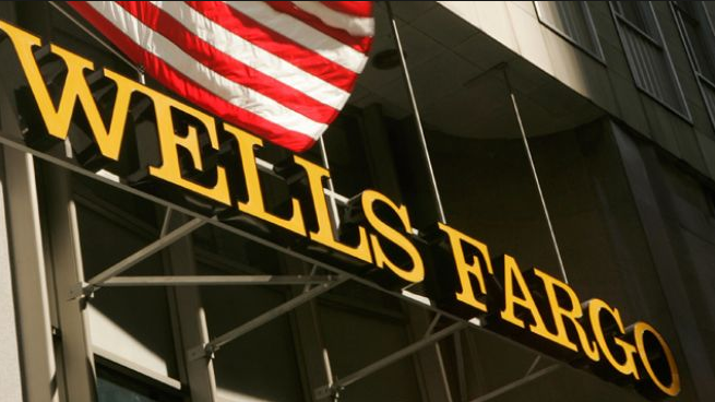 Wells Fargo Lowers Credit Requirements for FHA Loans